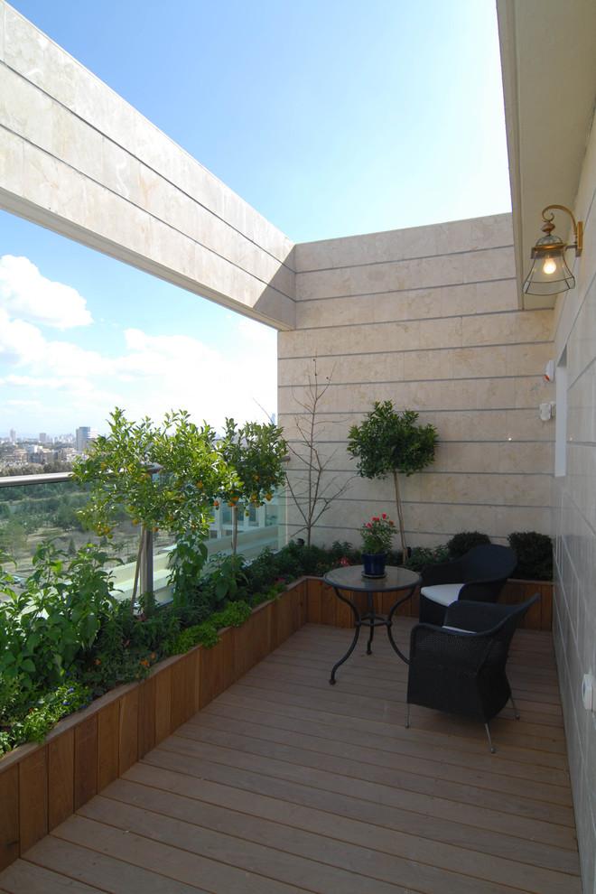 Inspiration for a coastal balcony remodel in Tel Aviv