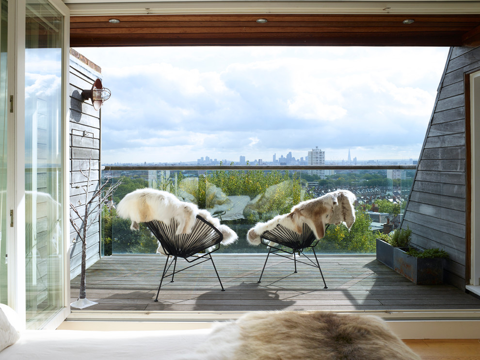 Example of a country balcony design in London