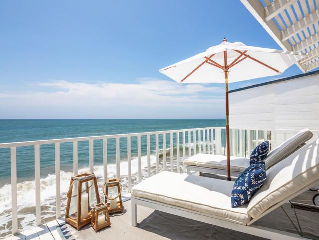 malibu residence bord de mer balcon los angeles par suzy kloner design. Black Bedroom Furniture Sets. Home Design Ideas