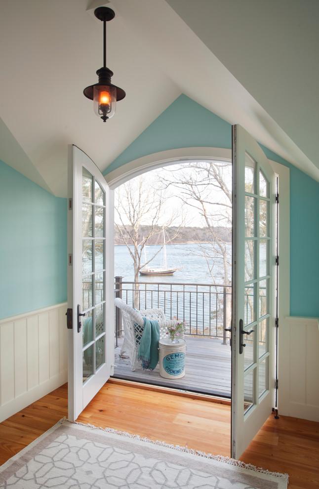 Balcony - coastal balcony idea in Boston