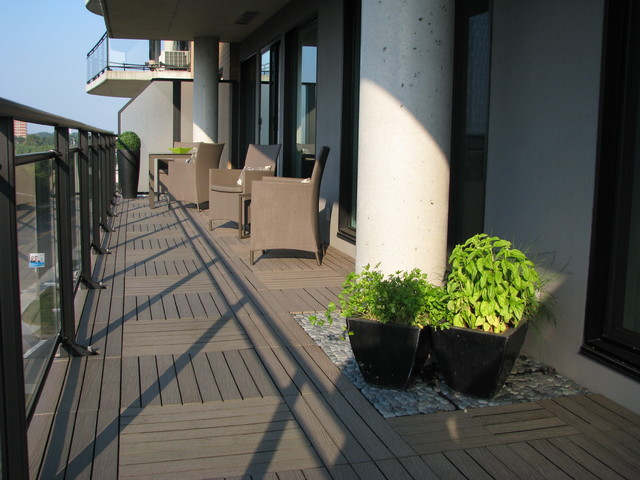Resideck composite wood deck tiles on balcony modern for Balcony modern