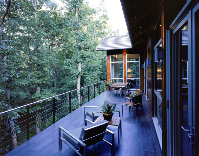The Line House modern-deck