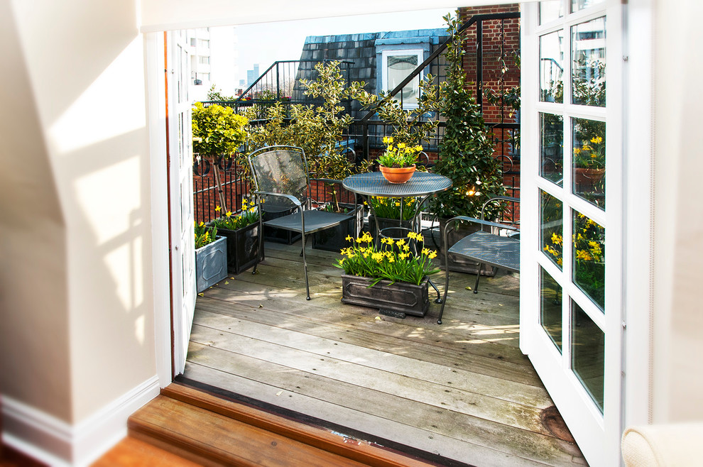 Balcony - small traditional balcony idea in London with no cover