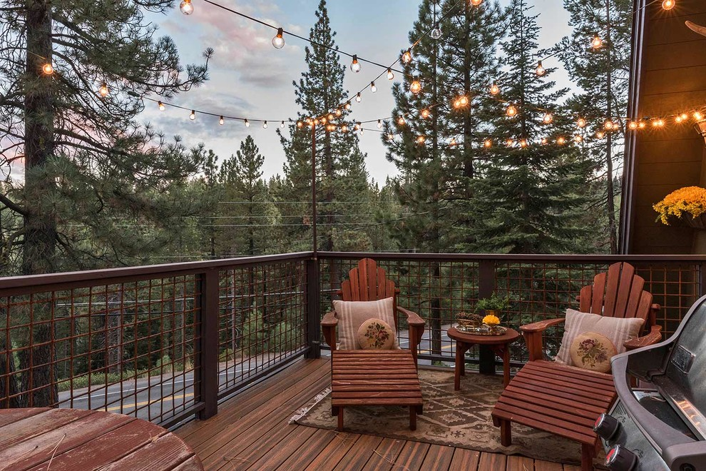 Inspiration for a rustic balcony remodel in Sacramento