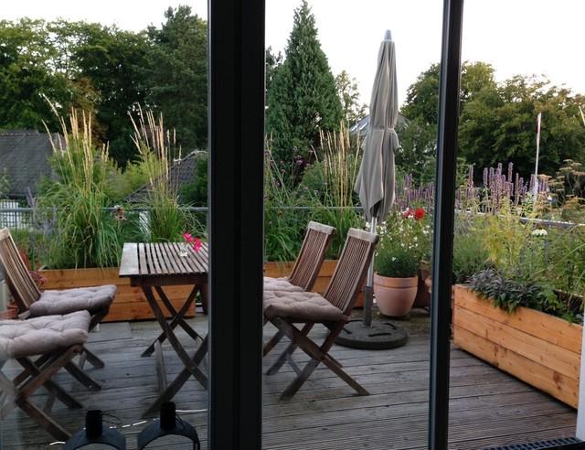 sued und nordterrasse in hamburg rustikal balkon berlin von nelka bepflanzung. Black Bedroom Furniture Sets. Home Design Ideas