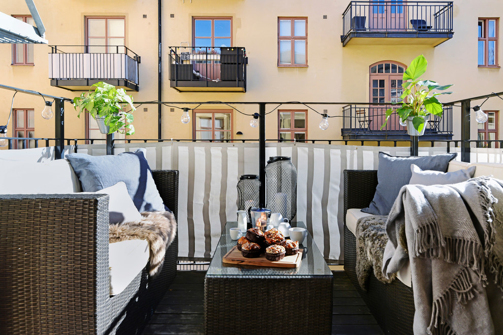 Inspiration for a scandinavian balcony remodel in Stockholm