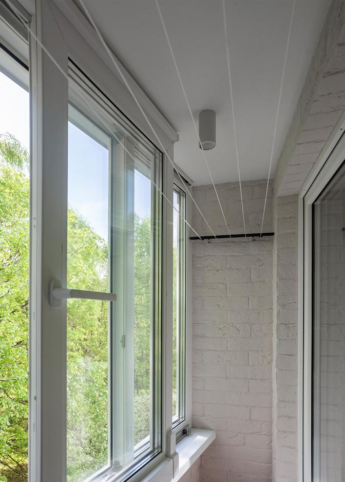 Esempio di un balcone minimal