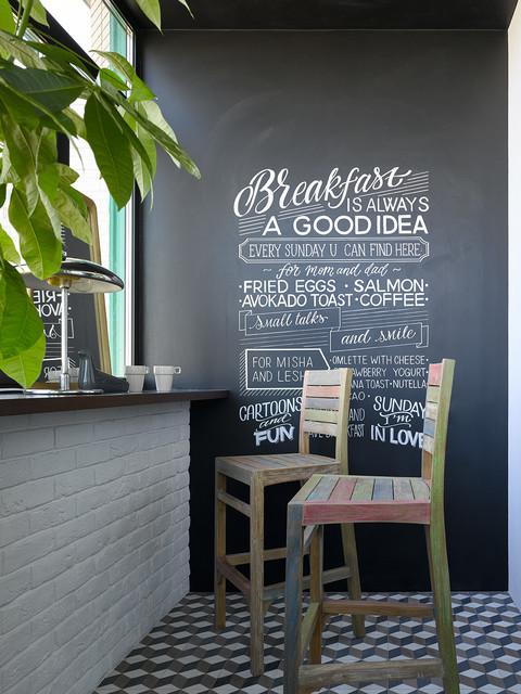Современный интерьер с элементами индустриального стиля для семьи с двумя детьми sovremennyy-balkon-i-lodzhiya