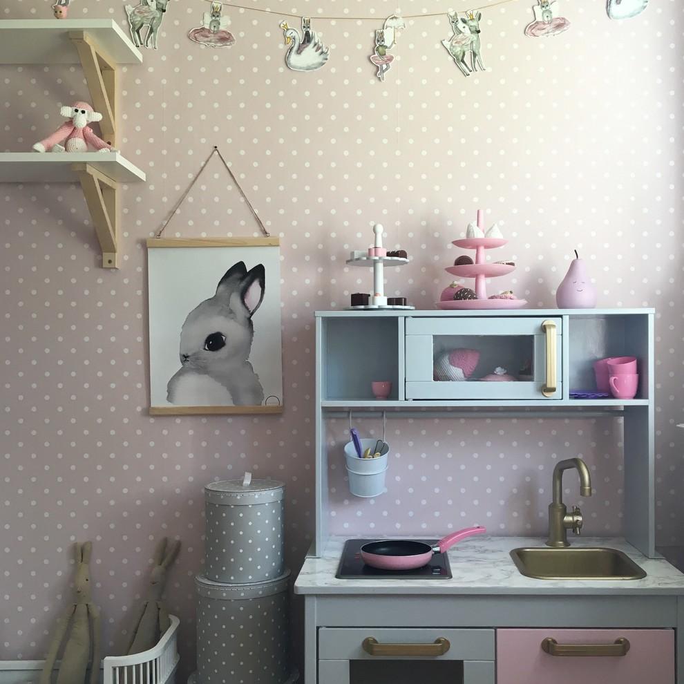 儿童房白色书桌北欧风格效果图