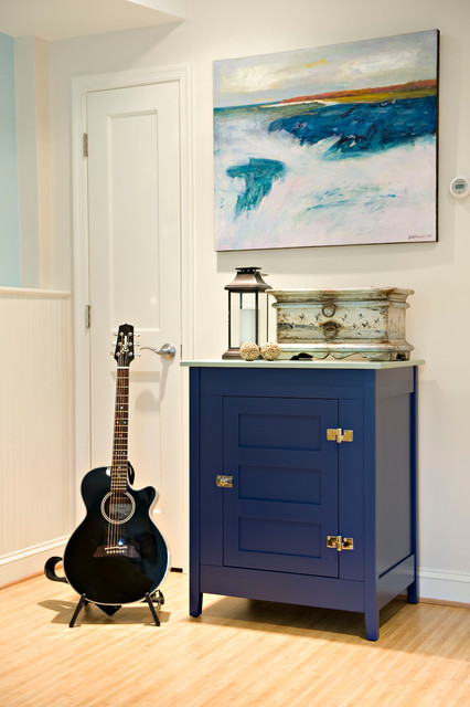 A guitar practice nook contemporary basement dc for Beckerman kitchen cabinets