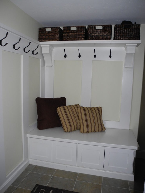 Mudroom basement design ideas pictures remodel decor for Basement entry ideas