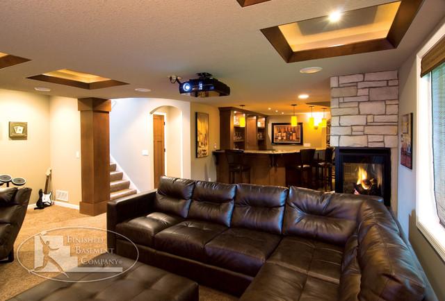 Inredning källare basement : Basement Sofa & Fireplace - Klassisk - Källare - Minneapolis - av ...