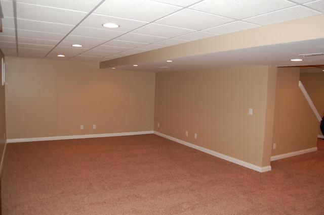 Inspiration for a timeless basement remodel in Cincinnati