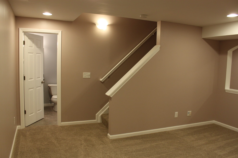 Example of a classic basement design in Cincinnati