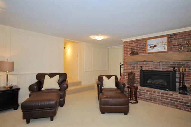 Example of a classic basement design in Indianapolis