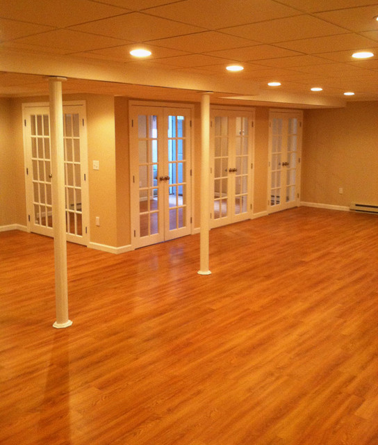 Basement Workout Area: Family Room, Workout Room, Laundry