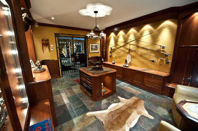 Gun Room Traditional Bat Toronto By Cambridge Kitchens
