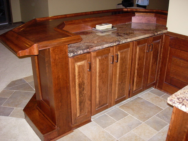 Hinckley Ohio - Custom built home bar - Traditional - Basement - cleveland - by Ohio Basements