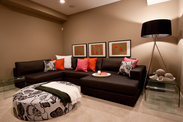 MH3 modern family room