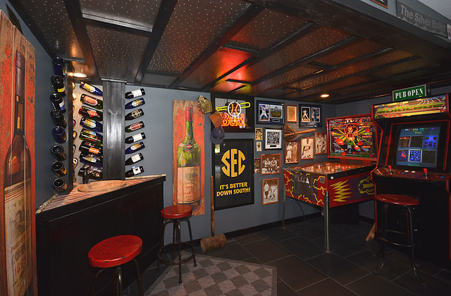 6 Sports Bar Interior Design To Surface Interior Design Construction Interior Designers Decorators