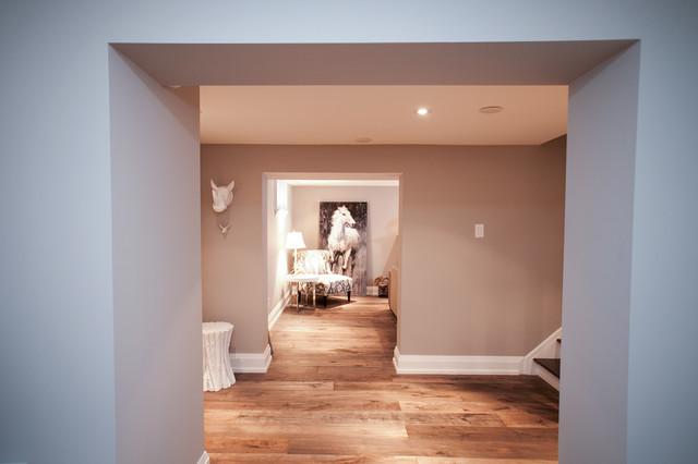 Meadowvale - Etobicoke traditional-basement