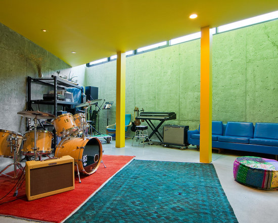 Band room home design ideas pictures remodel and decor for Band bedroom ideas