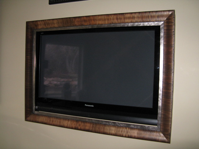 tv frames traditional basement