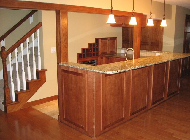 Wet bar kitchenette traditional basement other metro for Basement kitchenette with bar