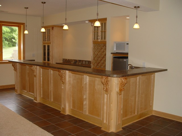 Wet Dry Bars Traditional Basement Cedar Rapids By
