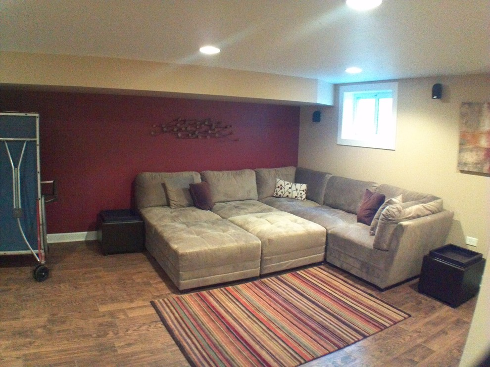 Example of a trendy basement design in Chicago