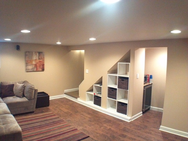 Wilmette basement rec room traditional basement Basement room decorating ideas
