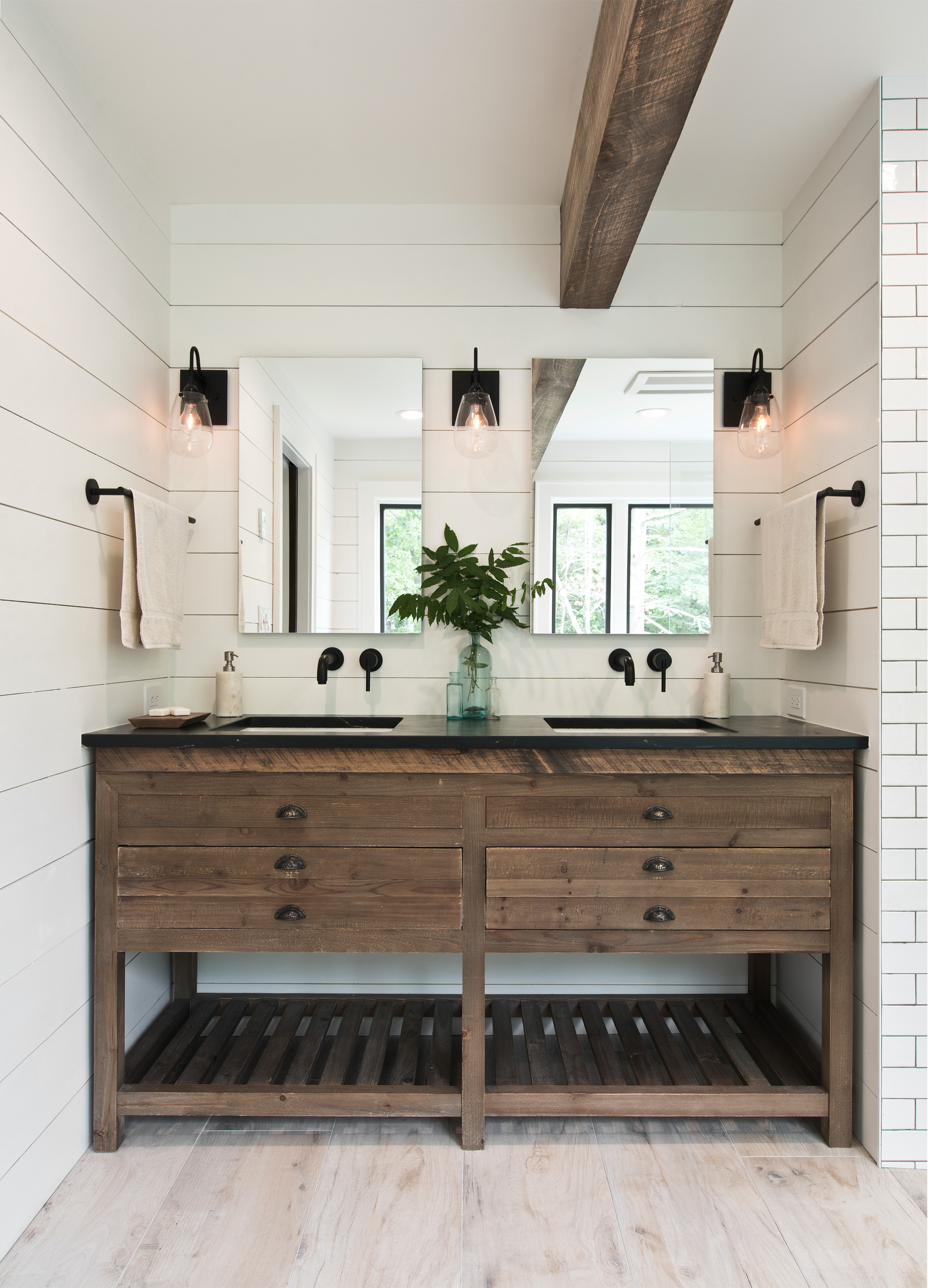 75 Beautiful White Tile Bathroom Pictures Ideas February 2021 Houzz