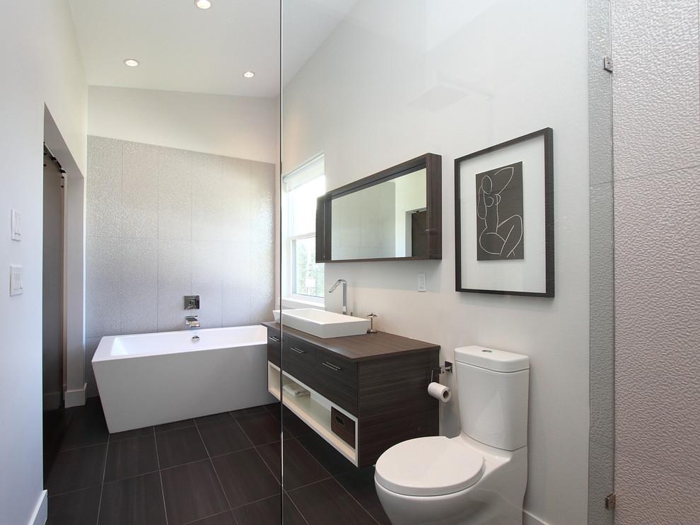 10005-127A St. Surrey, BC - Contemporary - Bathroom ...