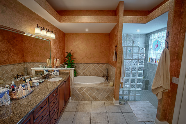1501 Blease Loop, The Villages - Real Estate traditional-bathroom