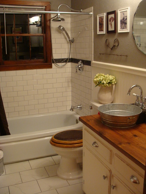 1940 39 s bungalow bathroom farmhouse western style for Bathroom ideas 1940