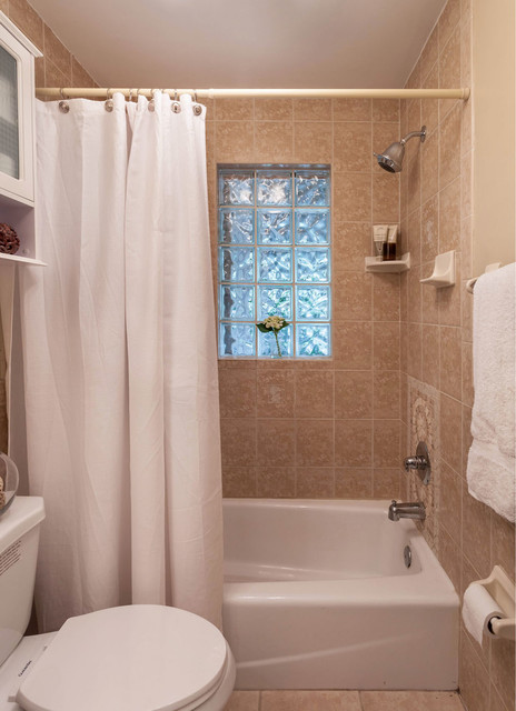 1940 39 S Cottage In Hampton Terrace Sold After Rehab Staging Listing Midcentury Bathroom