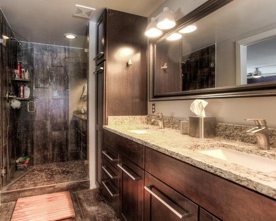 1950s ranch bathroom design ideas pictures remodel decor for Ranch bathroom ideas