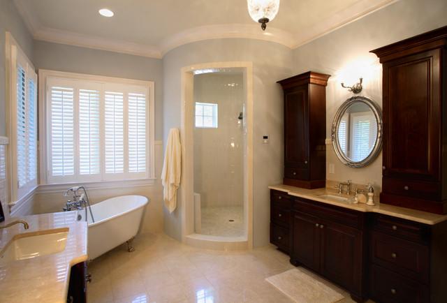 19500 Weaver's Circle traditional-bathroom