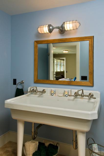 2011 Showcase - Hillside Retreat rustic-bathroom