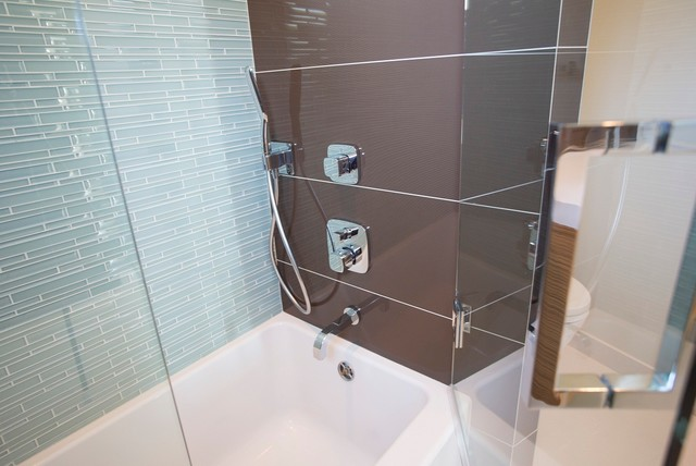 2012 PROJECTS modern-bathroom