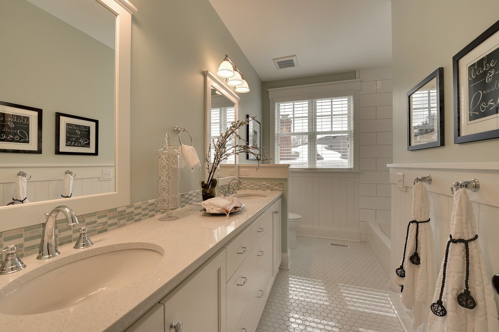 Example of a classic white floor bathroom design in Minneapolis with an undermount sink