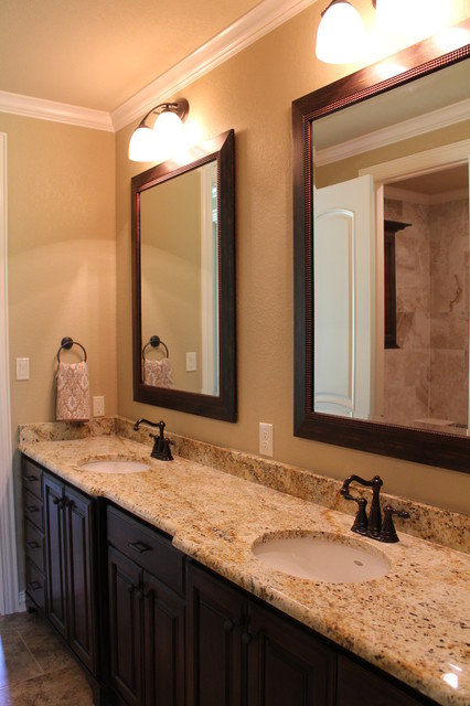 2013 Tyler Parade Of Homes Traditional Bathroom