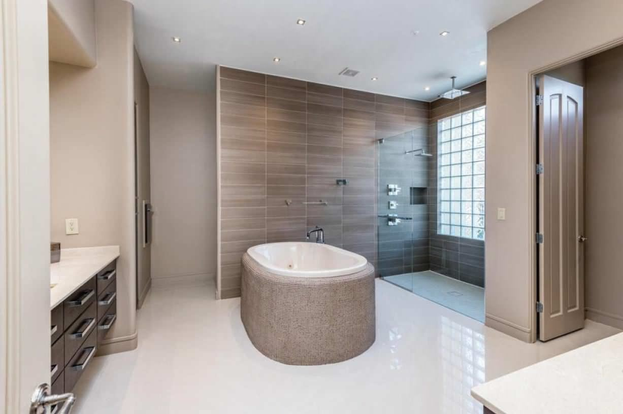 * 2014 FIRST PLACE WINNER - ASID - FURNITURE * Master Bathroom