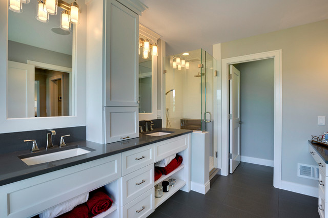2015 midwest home luxury home 6 traditional bathroom for Midwest kitchen and bath