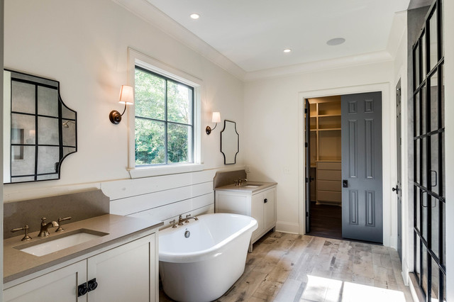 2200 Hemingway Farmhouse Bathroom Nashville By Chandelier