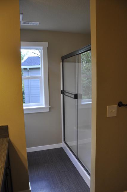 2810 NE 105th Circle, Vancouver, WA traditional-bathroom