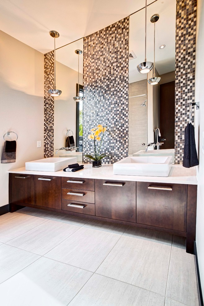 2912 Toronto Crescent Showhome - Contemporary - Bathroom ...