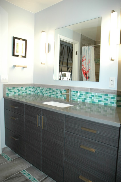 2nd Bathroom Green Glass Mosaic Accent Tile