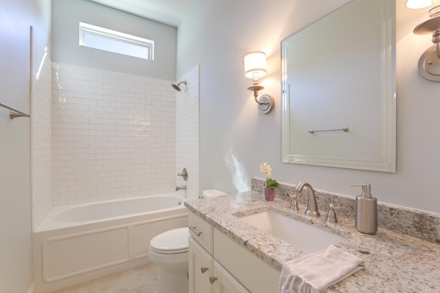 301 W Longview, Madisonville - Contemporary - Bathroom ...
