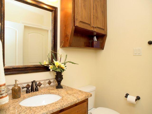 304 Sebastian traditional-bathroom